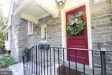 118 Montrose Avenue - Photo 2