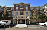 352/354 Carson Terrace - Photo 1