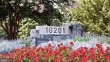 10201 Grosvenor Place - Photo 9