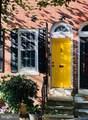 306 Catharine Street - Photo 2