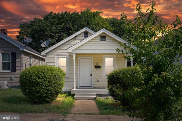 323 Palmer Street, FREDERICKSBURG, VA 22401 (#VAFB100021) :: Keller Williams Pat Hiban Real Estate Group