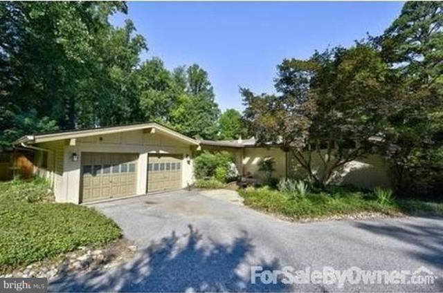 7104 Oak Forest Lane, BETHESDA, MD 20817 (#1002265634) :: Colgan Real Estate