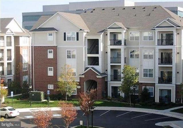 12925 Centre Park Circle #301, HERNDON, VA 20171 (#1002761686) :: Circadian Realty Group