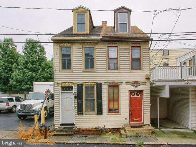 203 Sassafras Street, HARRISBURG, PA 17102 (#1003426850) :: The Joy Daniels Real Estate Group