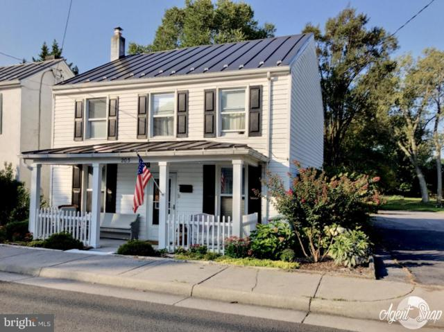 203 West Main Street, BERRYVILLE, VA 22611 (#VACL104042) :: Jacobs & Co. Real Estate