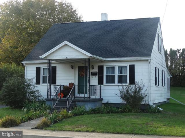 433 S Carlisle, GREENCASTLE, PA 17225 (#PAFL141058) :: Benchmark Real Estate Team of KW Keystone Realty