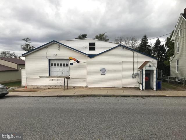 33 E Maple Street, DALLASTOWN, PA 17313 (#PAYK105478) :: Benchmark Real Estate Team of KW Keystone Realty