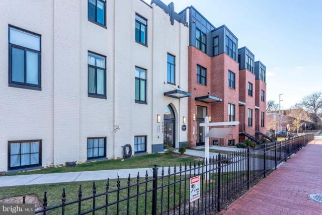 1211 G Street SE #4, WASHINGTON, DC 20003 (#DCDC309742) :: The Sebeck Team of RE/MAX Preferred
