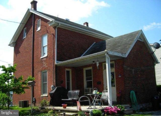 26 Cottage Street, WAYNESBORO, PA 17268 (#PAFL141372) :: Benchmark Real Estate Team of KW Keystone Realty