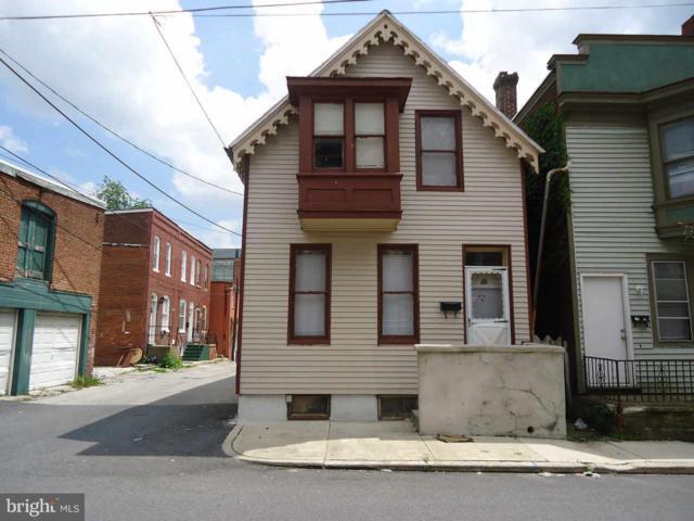26 W Maple Street, YORK, PA 17401 (#PAYK106070) :: CENTURY 21 Core Partners
