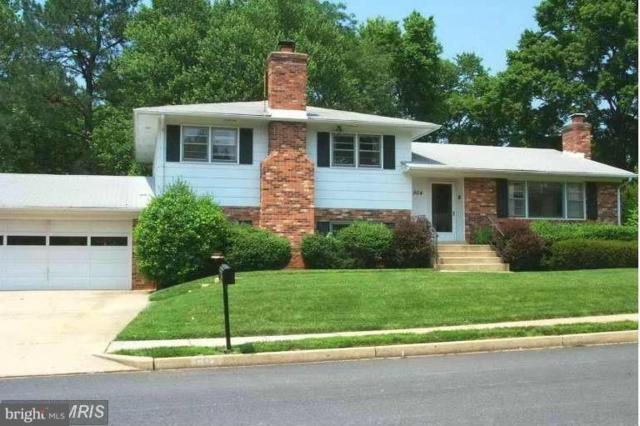 904 Woodnor Drive NE, VIENNA, VA 22180 (#VAFX944224) :: The Gus Anthony Team