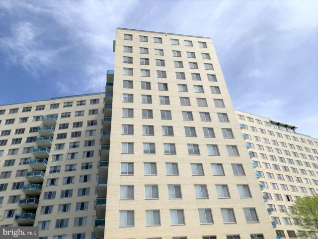10401 Grosvenor Place #818, NORTH BETHESDA, MD 20852 (#MDMC654740) :: The Daniel Register Group