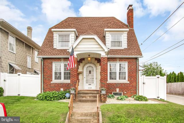 1228 E Maple Street, YORK, PA 17403 (#PAYK117888) :: Younger Realty Group