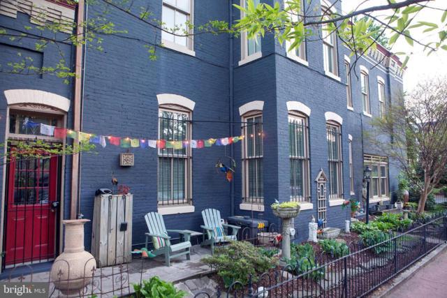 300 10TH Street SE, WASHINGTON, DC 20003 (#DCDC430888) :: Jennifer Mack Properties