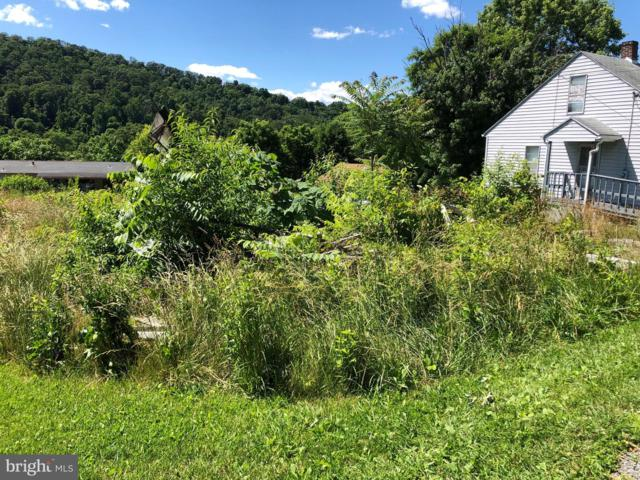 324 Greenway Drive, BERKELEY SPRINGS, WV 25411 (#WVMO115510) :: Pearson Smith Realty