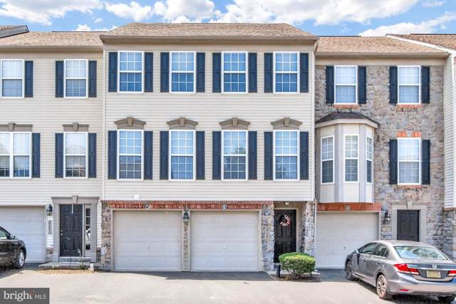 2722 Hunters Crest Drive, YORK, PA 17402 (#PAYK120362) :: The Joy Daniels Real Estate Group