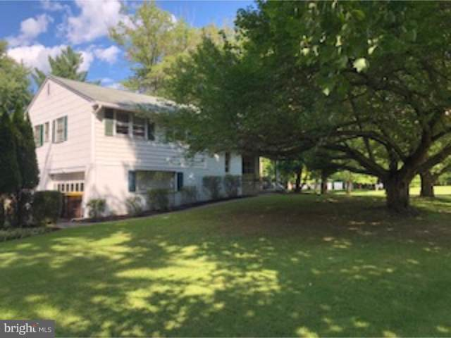 1207 Ardway Road, BLUE BELL, PA 19422 (#PAMC617628) :: Linda Dale Real Estate Experts
