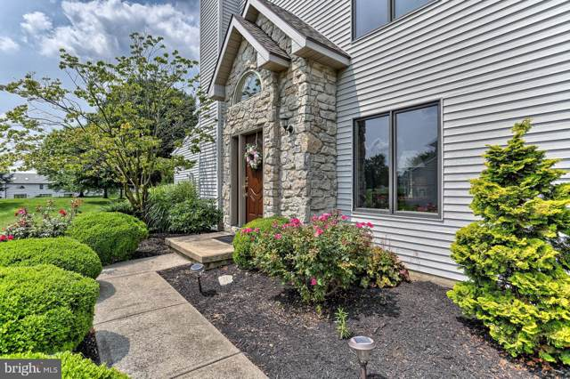 2639 Fairway Drive, YORK, PA 17402 (#PAYK120968) :: Flinchbaugh & Associates