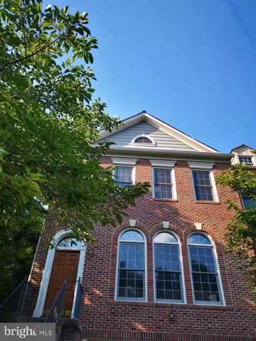 10156 Castlewood Lane, OAKTON, VA 22124 (#VAFX1077654) :: Arlington Realty, Inc.