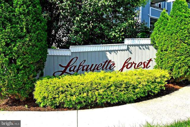 7707 Lafayette Forest Drive #12, ANNANDALE, VA 22003 (#VAFX1077938) :: Debbie Dogrul Associates - Long and Foster Real Estate