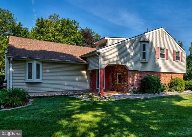 31 Carriage House Drive, HOLLAND, PA 18966 (#PABU475380) :: LoCoMusings