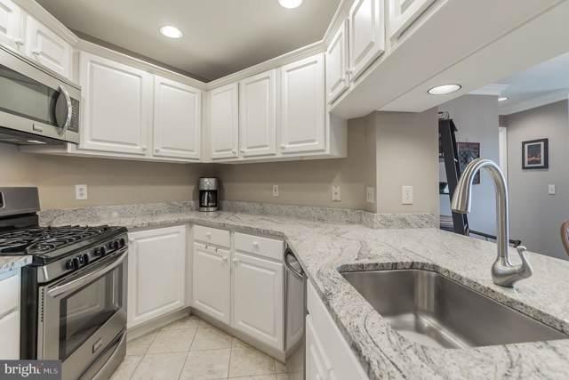 1050 N Stuart Street #819, ARLINGTON, VA 22201 (#VAAR152600) :: Erik Hoferer & Associates