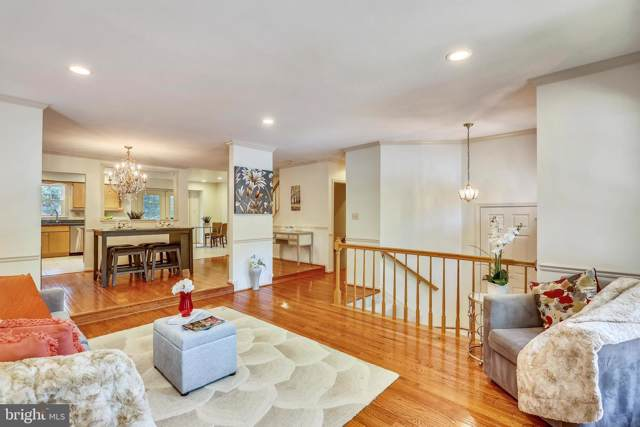 8 Cedarwood Court, NORTH BETHESDA, MD 20852 (#MDMC673382) :: Kathy Stone Team of Keller Williams Legacy