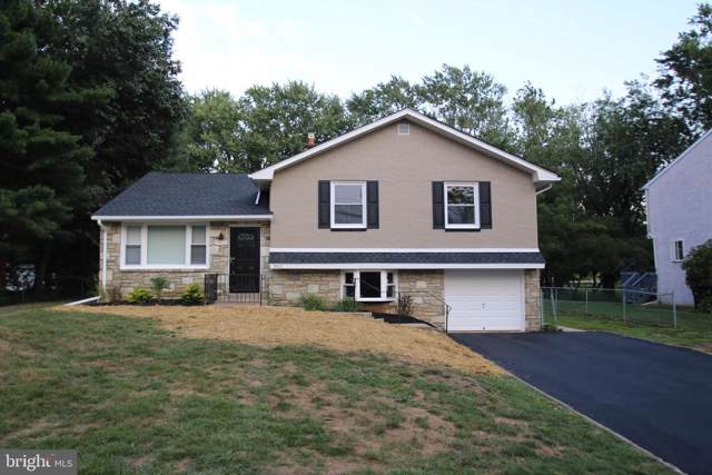 3011 Pine Road, HUNTINGDON VALLEY, PA 19006 (#PAMC620958) :: ExecuHome Realty