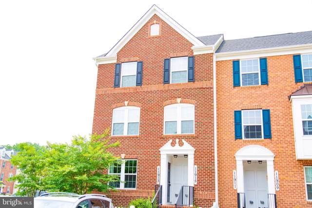 11915 Echo Point Place #902, CLARKSBURG, MD 20871 (#MDMC674306) :: The Sebeck Team of RE/MAX Preferred