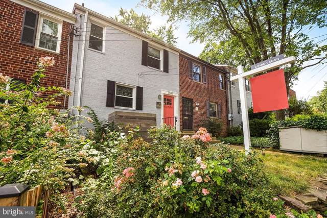 2949 Landover Street, ALEXANDRIA, VA 22305 (#VAAX238722) :: Bic DeCaro & Associates