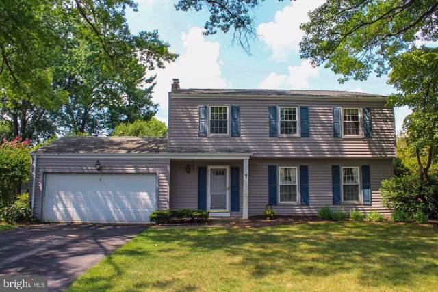 7 Manor Drive, MECHANICSBURG, PA 17055 (#PACB116528) :: Liz Hamberger Real Estate Team of KW Keystone Realty
