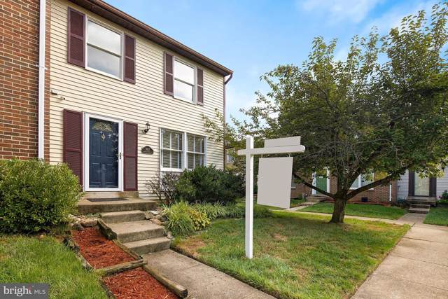 9912 Oakdale Woods Court, VIENNA, VA 22181 (#VAFX1084150) :: Homes to Heart Group