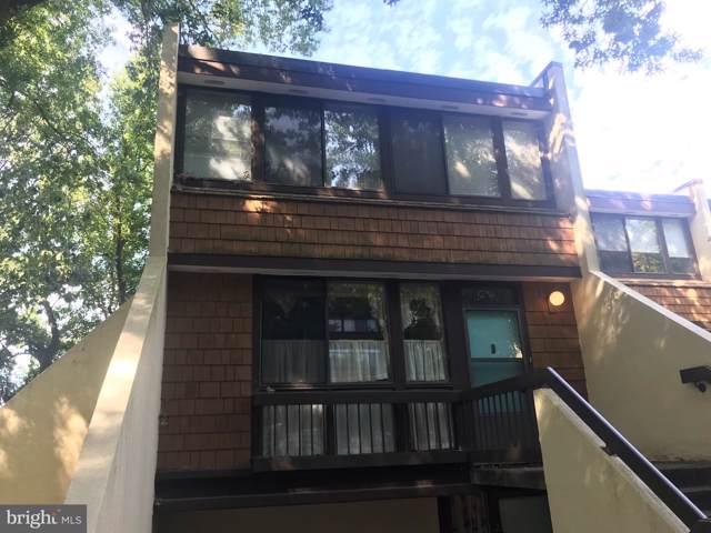 2248 S Randolph Street #2, ARLINGTON, VA 22204 (#VAAR153938) :: The Licata Group/Keller Williams Realty