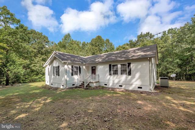 814 Lakeside Drive, LOUISA, VA 23093 (#VALA119784) :: RE/MAX Cornerstone Realty
