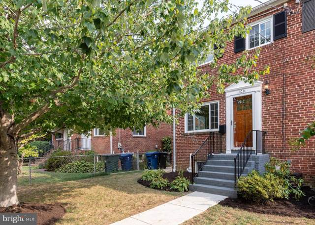 205-A E Spring Street, ALEXANDRIA, VA 22301 (#VAAX239164) :: The Putnam Group