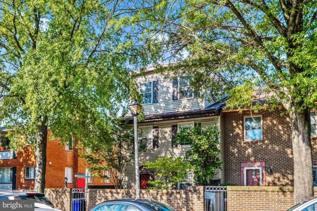 1126 N Randolph Street, ARLINGTON, VA 22201 (#VAAR154400) :: The Licata Group/Keller Williams Realty