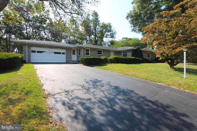 140 S Strathcona Drive, YORK, PA 17403 (#PAYK124650) :: The Joy Daniels Real Estate Group