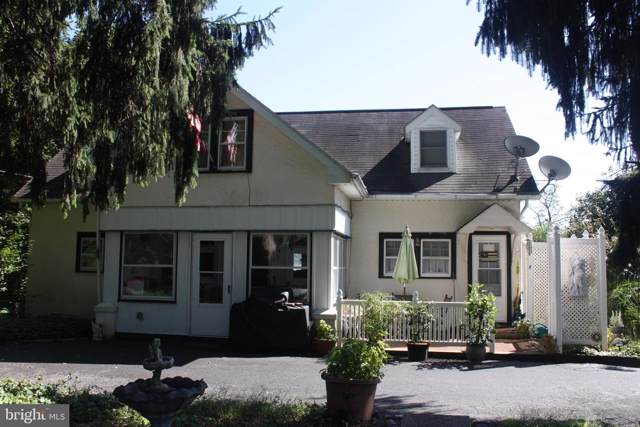 4304 New Holland Road, MOHNTON, PA 19540 (#PABK348122) :: Remax Preferred | Scott Kompa Group