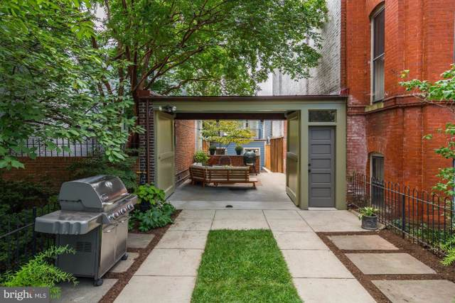 612 E Street SE, WASHINGTON, DC 20003 (#DCDC443178) :: Jacobs & Co. Real Estate