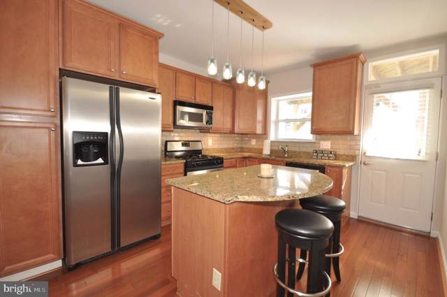 207 S Robinson Street, BALTIMORE, MD 21224 (#MDBA484876) :: The Maryland Group of Long & Foster Real Estate