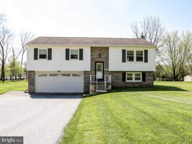 2455 Scenic Drive, MANHEIM, PA 17545 (#PALA140566) :: The Heather Neidlinger Team With Berkshire Hathaway HomeServices Homesale Realty