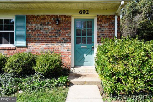 692 Azalea Drive #6, ROCKVILLE, MD 20850 (#MDMC681834) :: Eng Garcia Grant & Co.