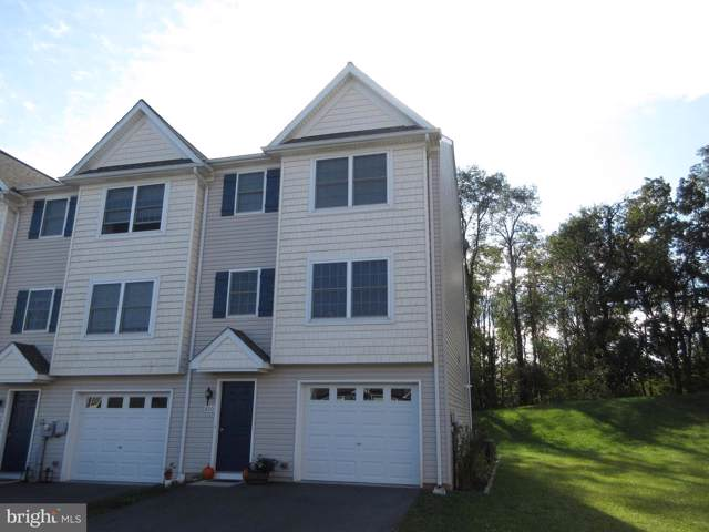 800 Kentwell Drive, YORK, PA 17406 (#PAYK126504) :: The Joy Daniels Real Estate Group