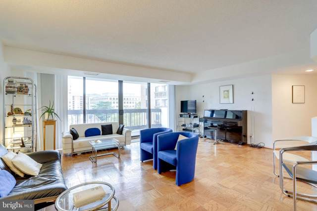 3800 Fairfax Drive #302, ARLINGTON, VA 22203 (#VAAR155638) :: City Smart Living