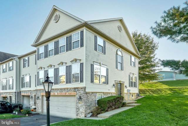 2758 Hunters Crest Drive, YORK, PA 17401 (#PAYK126984) :: The Joy Daniels Real Estate Group