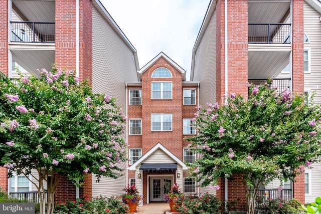 3307 Wyndham Circle #2162, ALEXANDRIA, VA 22302 (#VAAX240920) :: Jennifer Mack Properties