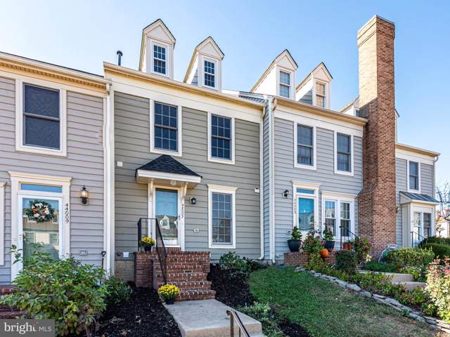 44007 Kitts Hill Terrace, ASHBURN, VA 20147 (#VALO397606) :: The Greg Wells Team