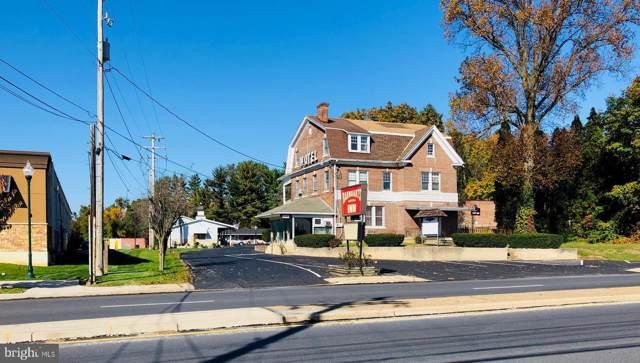 3021 E Market Street, YORK, PA 17402 (#PAYK127722) :: The Joy Daniels Real Estate Group