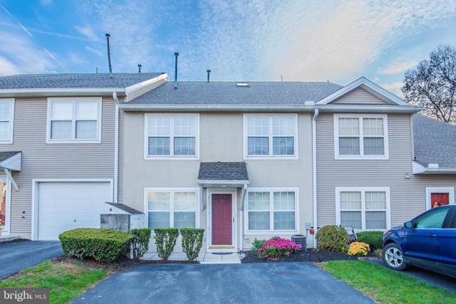 4 Courtyard Drive, CARLISLE, PA 17013 (#PACB119030) :: The Team Sordelet Realty Group