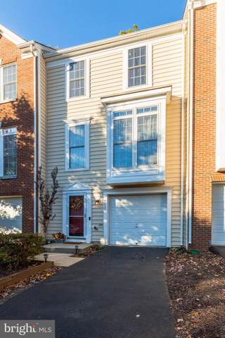 4025 Fairfax Center Hunt Trail, FAIRFAX, VA 22030 (#VAFX1097744) :: The Greg Wells Team